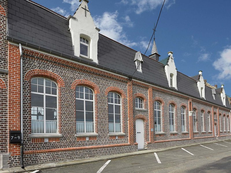 A beautiful, spacious and pleasant holiday home, vacation rental in Wevelgem
