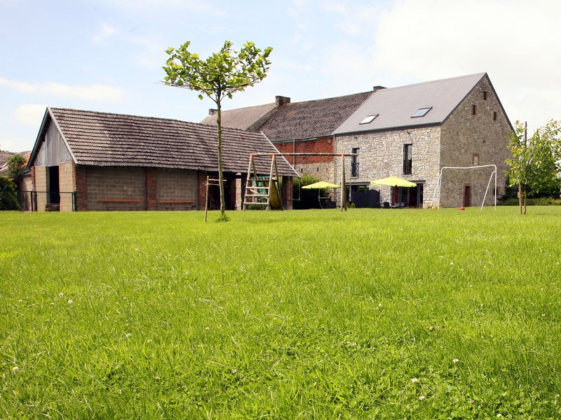 Snug cottage in the heart of the small village Tohogne, vacation rental in Hamoir