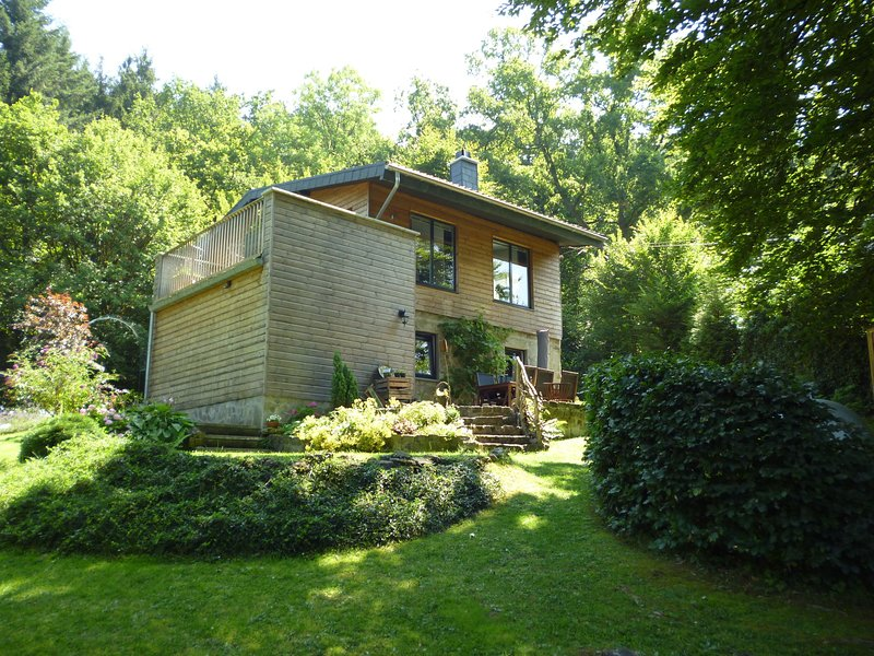 Spacious Chalet with Fenced Garden in Forest in Vieuxville, vacation rental in Hamoir