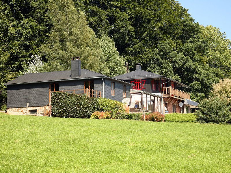 Attached gite on the edge of the forest., holiday rental in Arbrefontaine