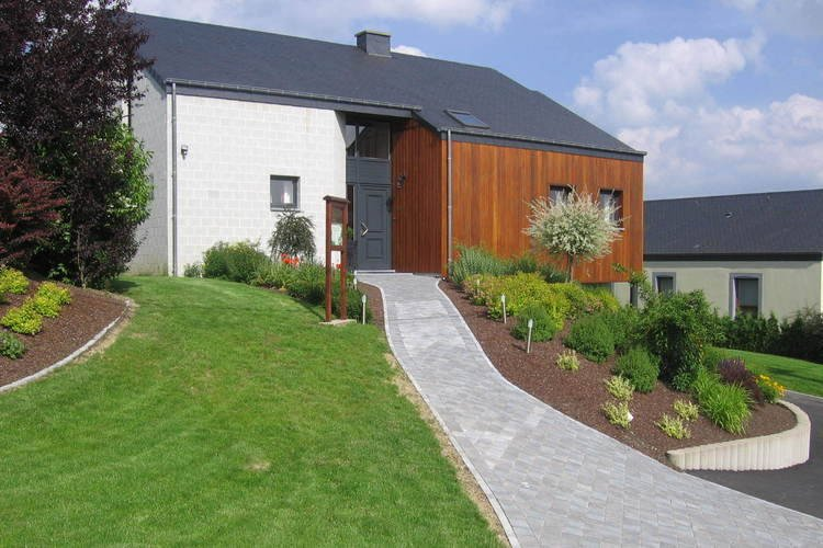 Lovely spacious villa located in the heart of the Belgian Ardennes., alquiler vacacional en Achouffe