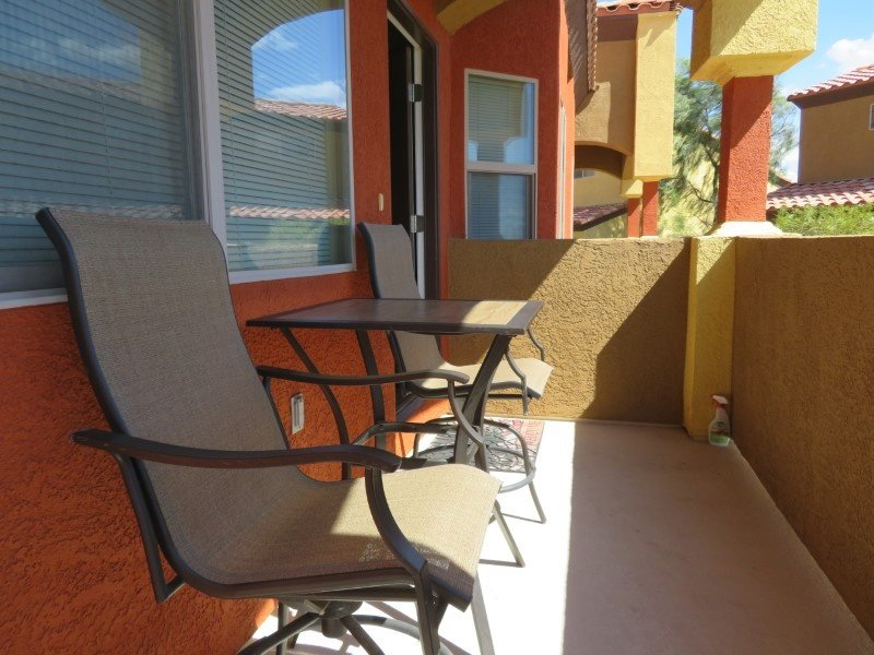 Spacious & Relaxing Condo - Pet Friendly, Shared Pool & Hot Tub, holiday rental in Mesquite