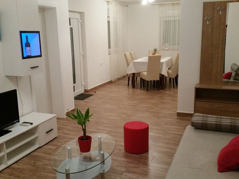 Impressive Apartment with Terrace in Pula Croatia, holiday rental in Vintijan