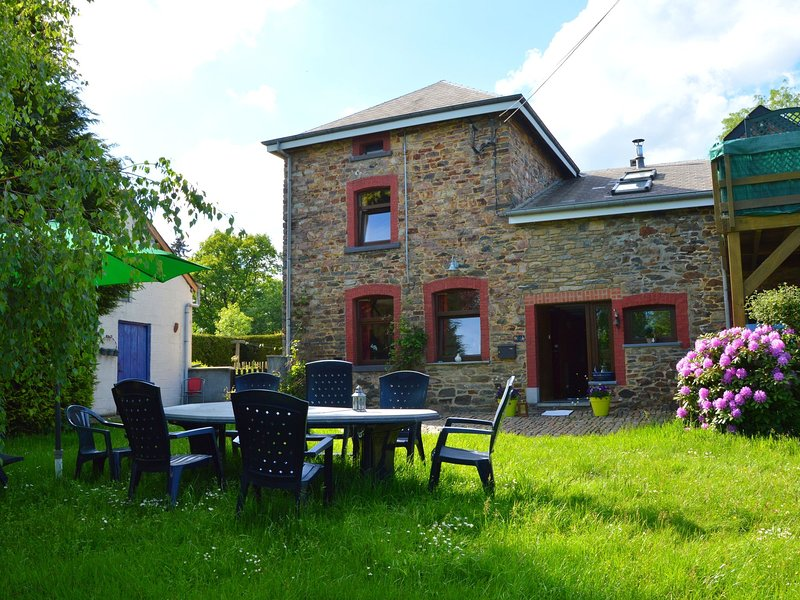 A comfortable house in the region of the Belgian Luxemburg, location de vacances à Gouvy
