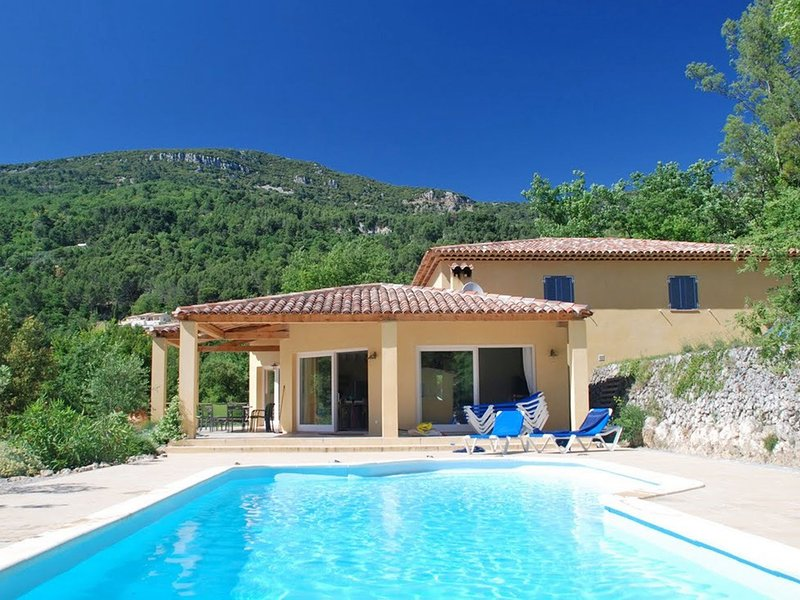 Elite Villa with Swimming Pool in Bargemon, Provence, location de vacances à Bargemon