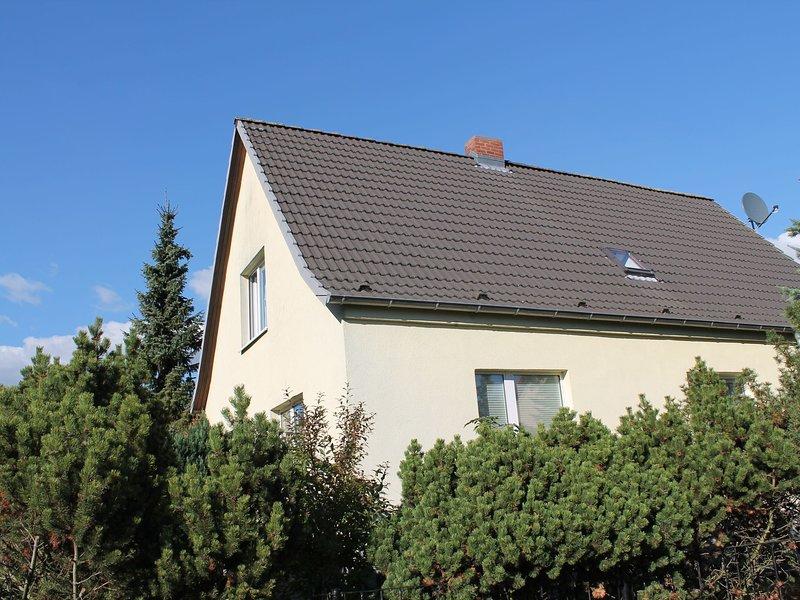 Homestyle Apartment in Kröpelin with Terrace, holiday rental in Kropelin