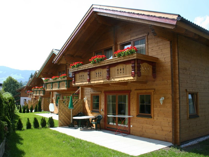 Spacious Chalet in Niederau with Sauna, location de vacances à Worgl