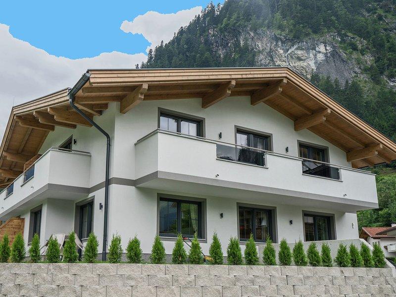 Cozy Apartment near Ski Area in Mayrhofen, holiday rental in Schwaz
