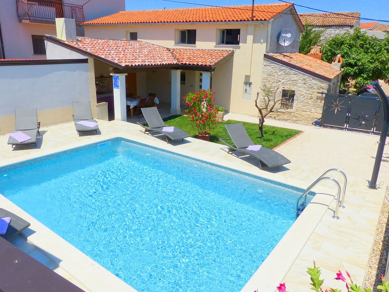 Cozy Holiday Home in Valtura with Swimming Pool, casa vacanza a Valtura