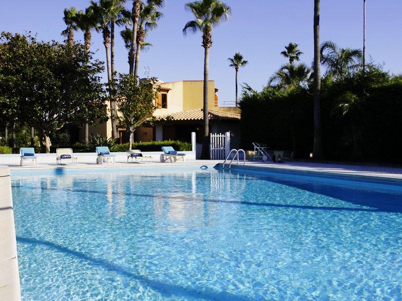 Spacious Villa with Garden in Marsala Sicily, alquiler de vacaciones en Lido Signorino