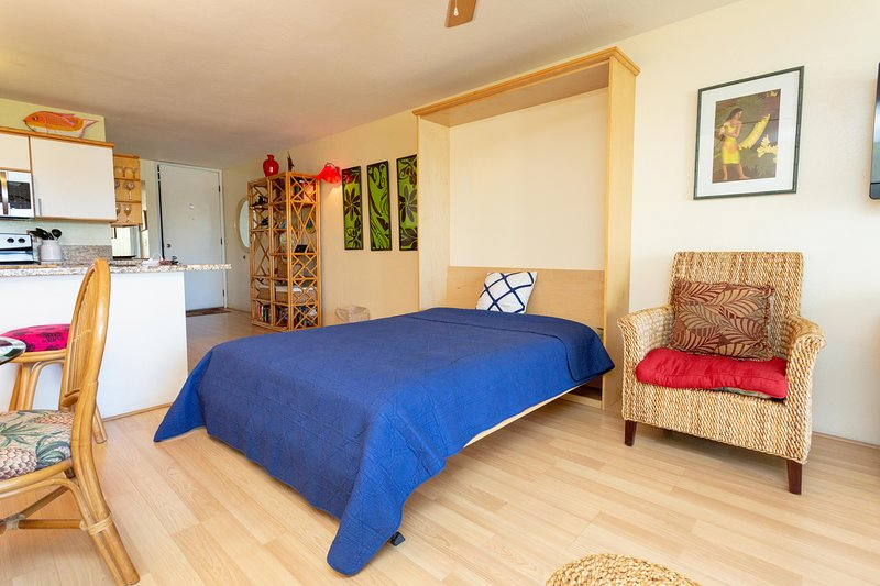 Flooring,Hardwood,Floor,Bedroom,Room