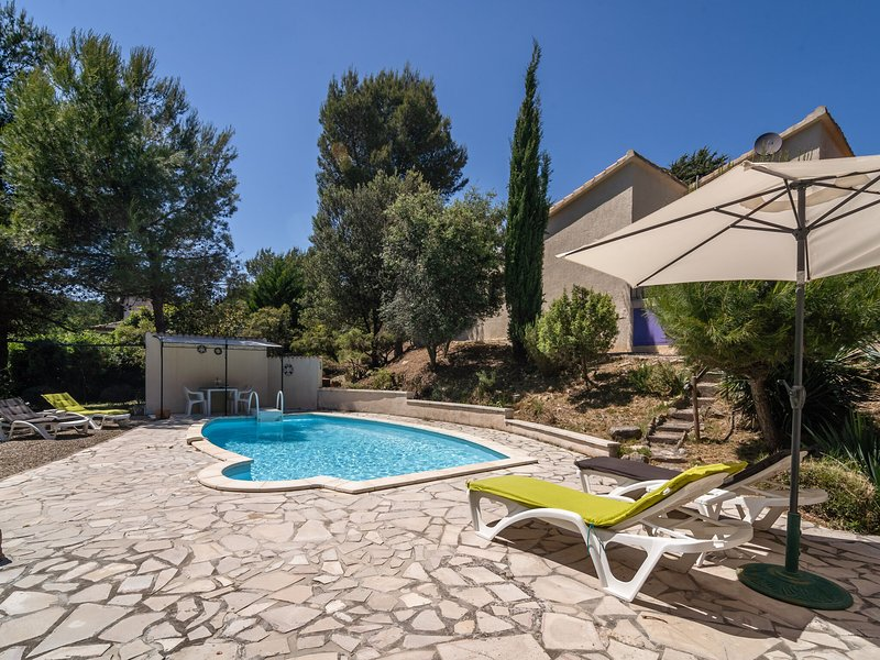 Modern Villa in Pouzols-Minervois with Private Pool, holiday rental in Paraza
