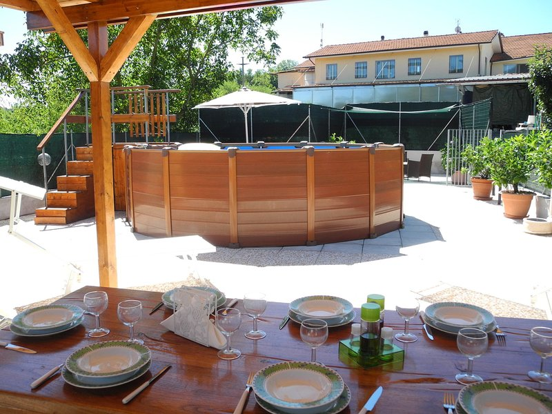 In the hills around Lucca, near a company that produces organic honey., holiday rental in Orbicciano