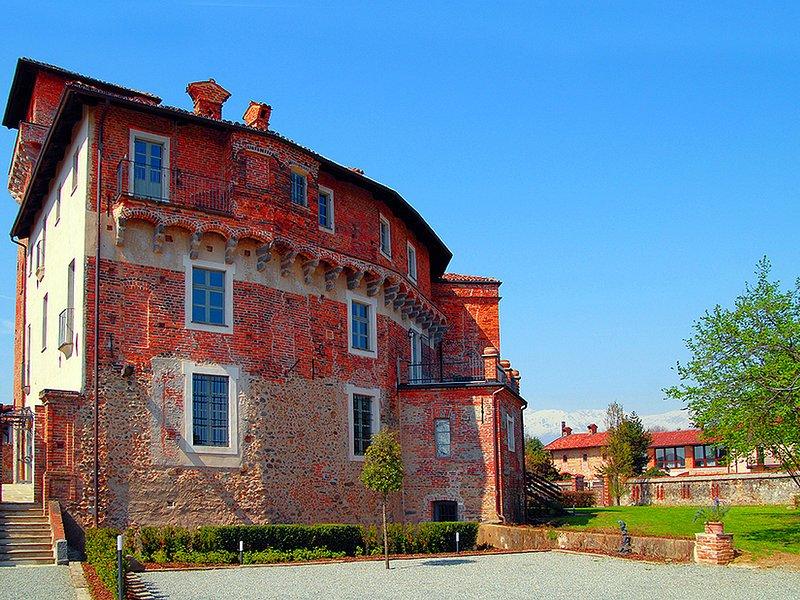 Modern Cottage in Biella near Town Center, holiday rental in Vigliano Biellese