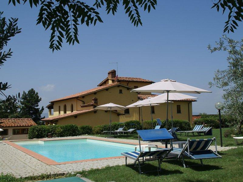 Decorated Apartment 2km away from Castelfranco di Sopra, aluguéis de temporada em La Lama