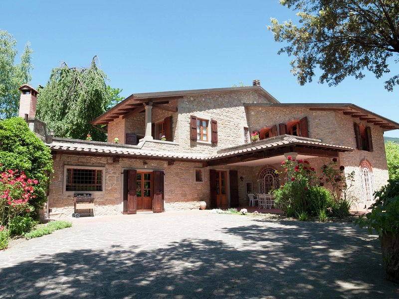 Modern Villa in Stia with Swimming Pool, holiday rental in Stia
