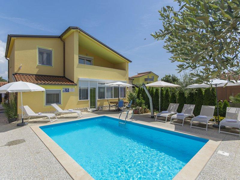 Modern Apartment in Nova Vas with Swimming Pool, holiday rental in Nova Vas