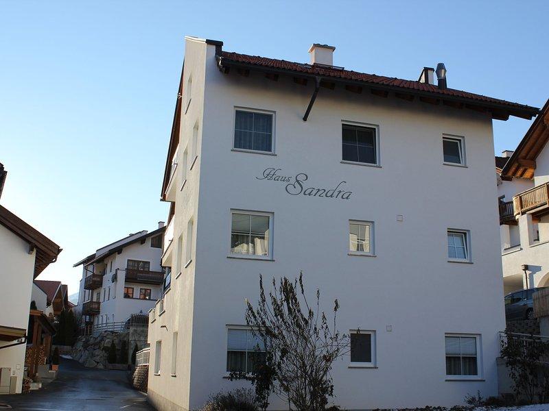 Lovely Apartment in Fiss at Ski Bus Stop, alquiler de vacaciones en Serfaus
