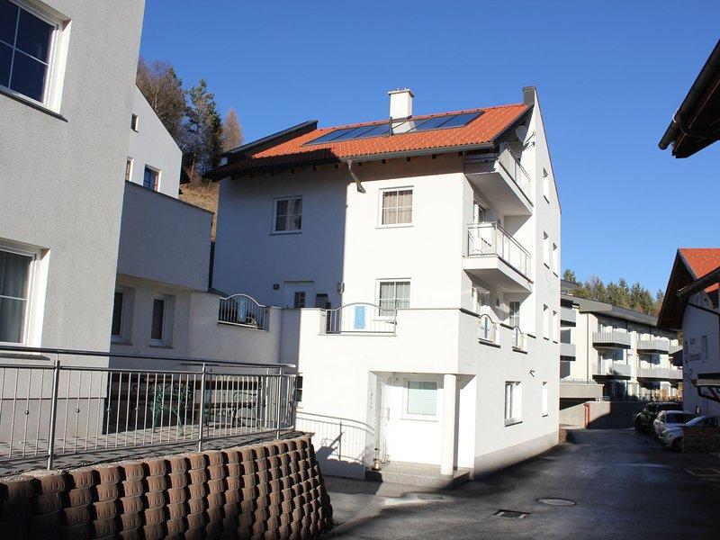 Modern Apartment in Fiss at Ski Bus Stop, alquiler de vacaciones en Serfaus