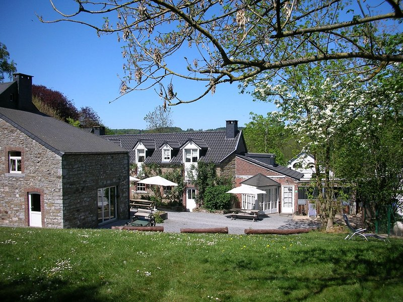 Cosy Cottage in Ardennes with a Garden, vacation rental in Hamoir