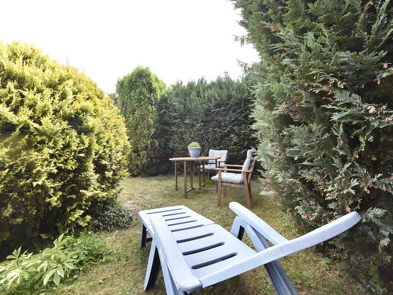 Lovely Apartment in Garz Germany with Large Lawn, holiday rental in Puddemin