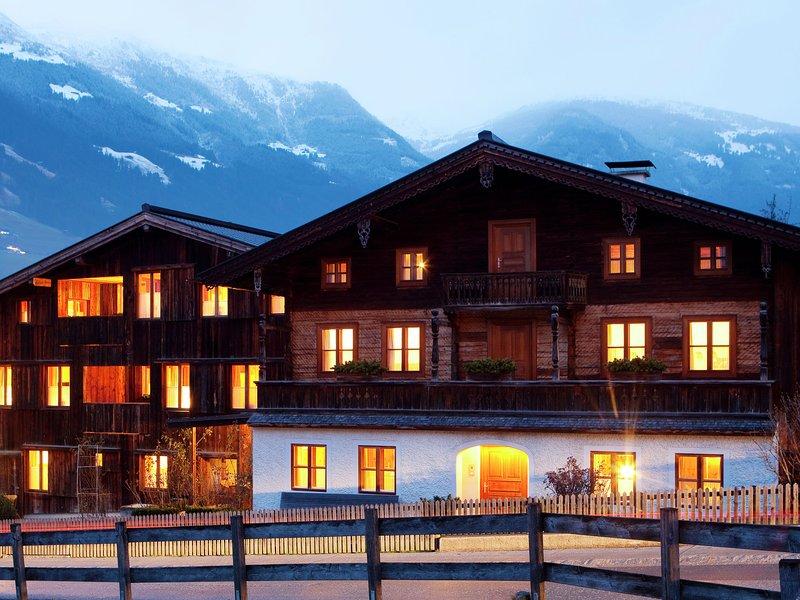 Boutique Apartment in Ramsau im Zillertal near Ski Area, holiday rental in Ramsau im Zillertal