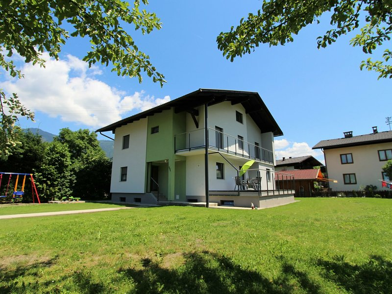 Modern Mansion in Kötschach-Mauthen with Garden, holiday rental in Kotschach