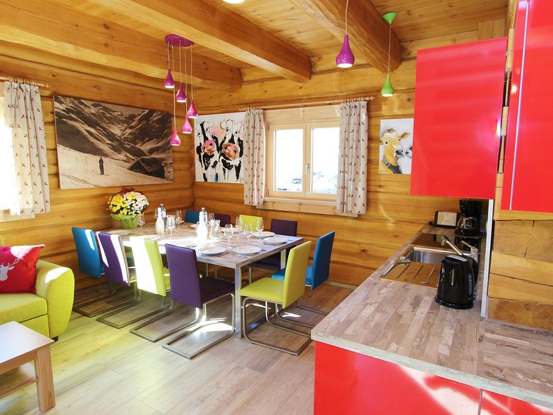 Cosy Wooden Chalet in Kaprun with Jacuzzi, holiday rental in Kaprun