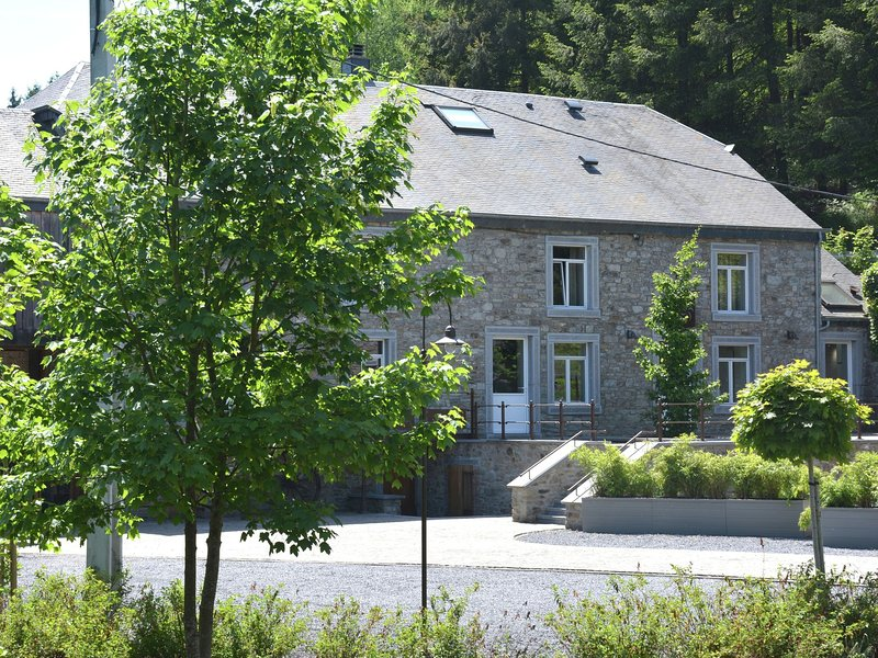 Renovated Mill in Gedinne  with Garden, vacation rental in Bourseigne-Vieille