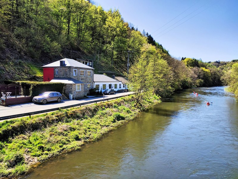 Charming Holiday Home In Durbuy with Garden, vacation rental in Hamoir