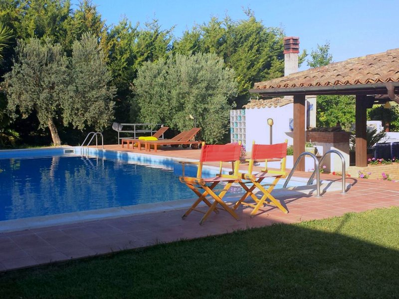 Luxurious Villa in Caltagirone Italy with Private Pool, vacation rental in Caltagirone