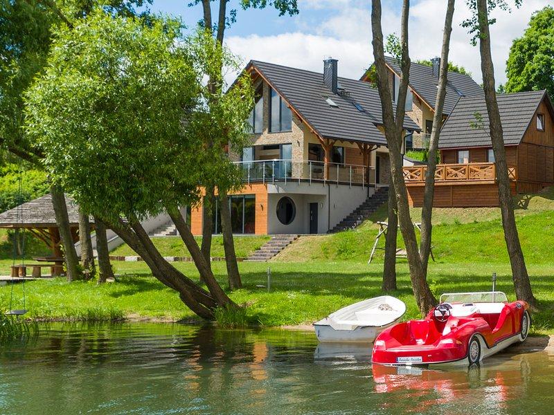 Lush Villa in Stężyca, Pomeranian with Sauna, holiday rental in Szymbark