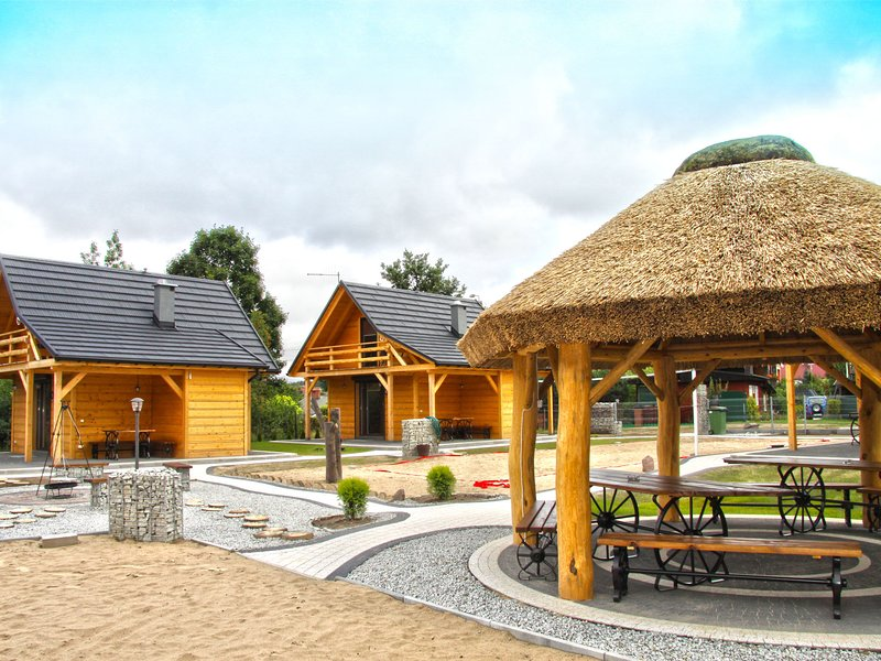 A wooden, eco-friendly house by the Goszcza lake. Living room, 2 bedrooms., holiday rental in Lubrza