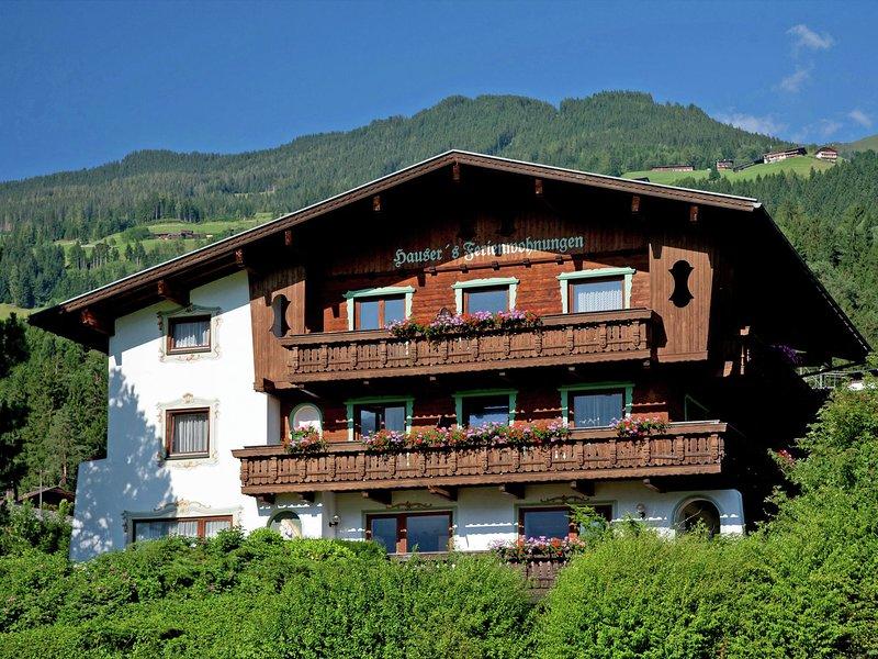 Cozy Apartment in Hart im Zillertal near Ski Area, holiday rental in Hart im Zillertal