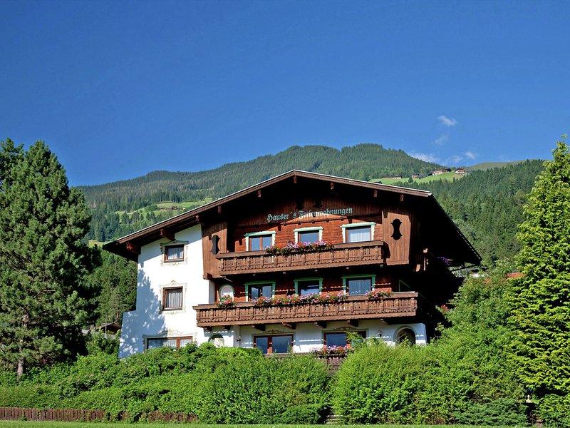 Cozy Apartment in Hart im Zillertal near Skiing Area, holiday rental in Hart im Zillertal
