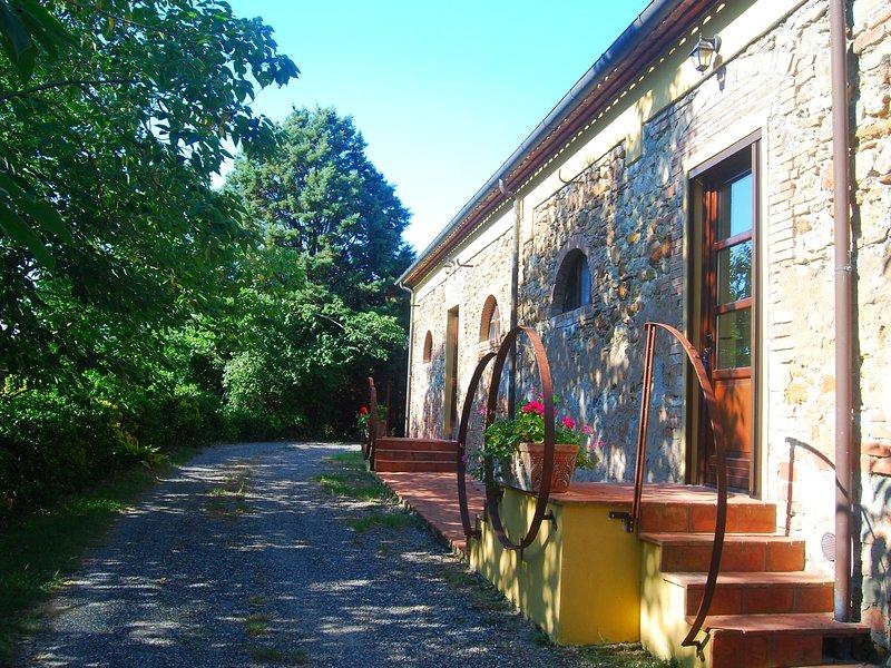 Modern Holiday Home in Rosignano Marittimo near Forest, Ferienwohnung in Gabbro