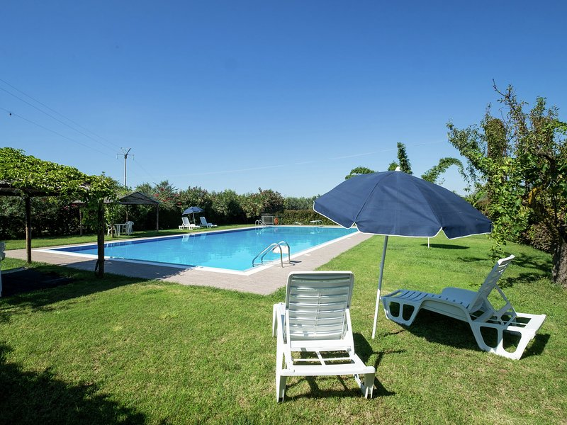 Sun-drenched estate close to Sciacca just 7km from the beach, vacation rental in Cartabubbo