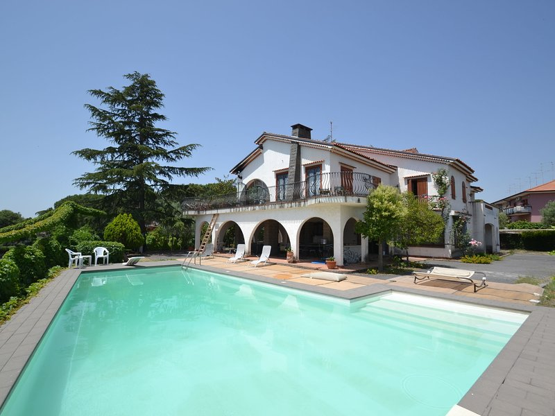 Luxurious Villa in Acireale Sicily with Private Pool, holiday rental in Trecastagni