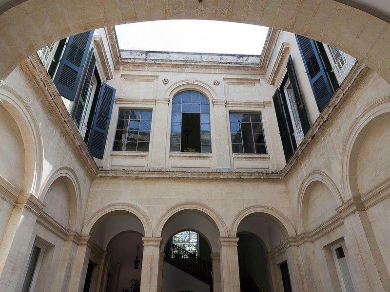 Luxury holiday home in LecceApulia with garden, casa vacanza a Conca Specchiulla