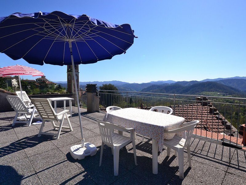 Appartment in centre of village that dates from the middle ages., holiday rental in Tornolo