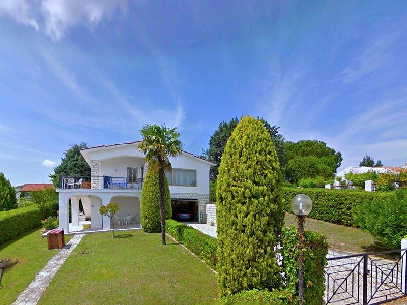 Boutique Villa in Villaggio Taunus with Garden, vakantiewoning in Direttissima del Conero