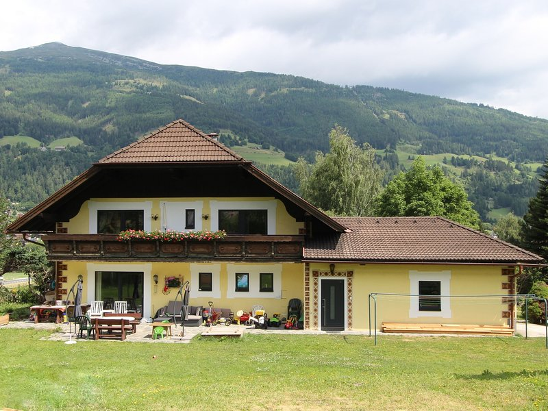 Peaceful Apartment in Sankt Michael im Lungau Pool, vacation rental in St. Margarethen