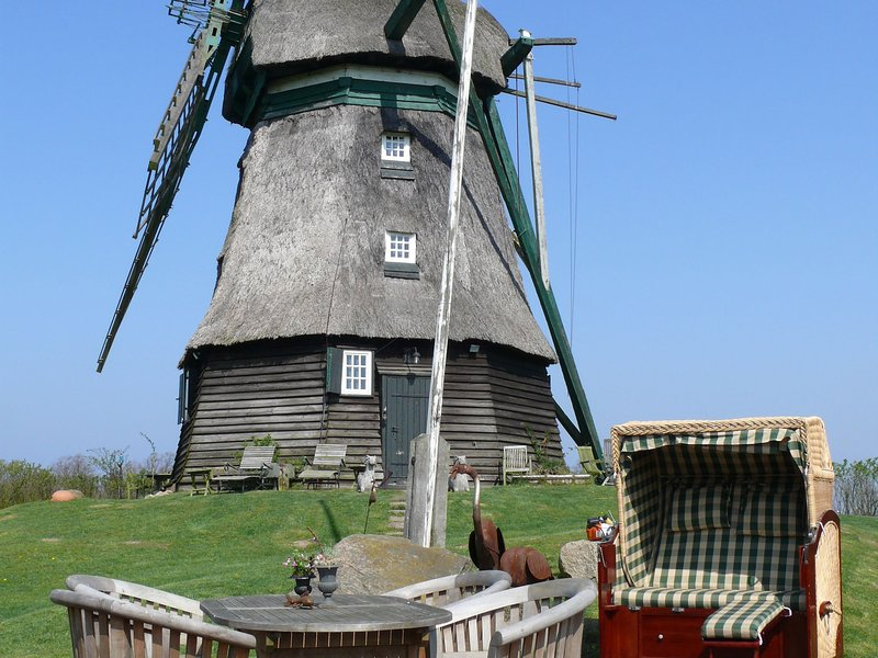 Windmill Holiday home in Farve garden and panoramic views, holiday rental in Weissenhauser Strand
