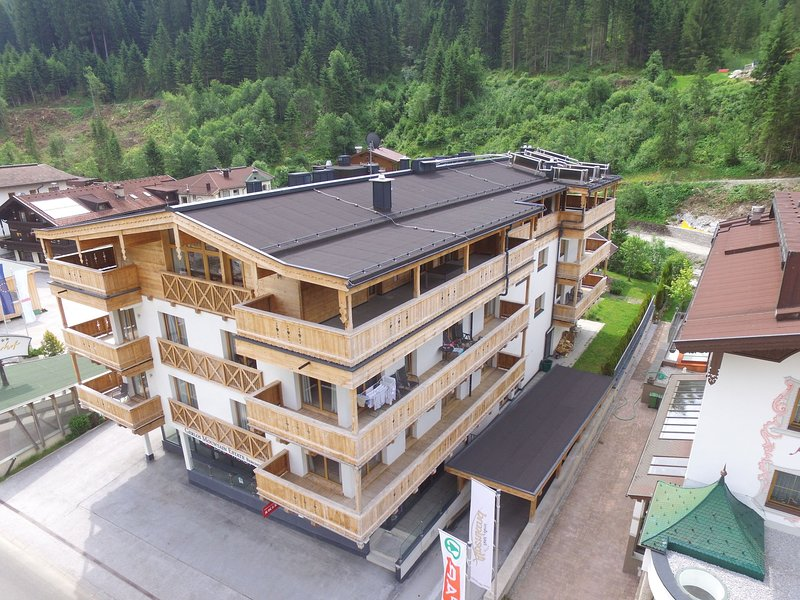 Spacious Apartment in Gerlos near Ski Area, holiday rental in Gerlos