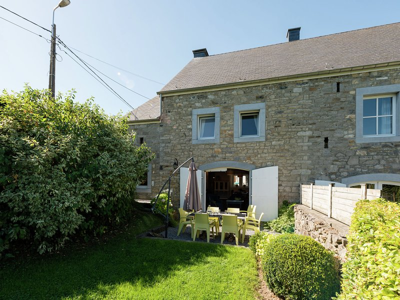 In the quaintness of a hamlet, come discover this cosy house with vaulted sauna!, vacation rental in Comblain-au-Pont