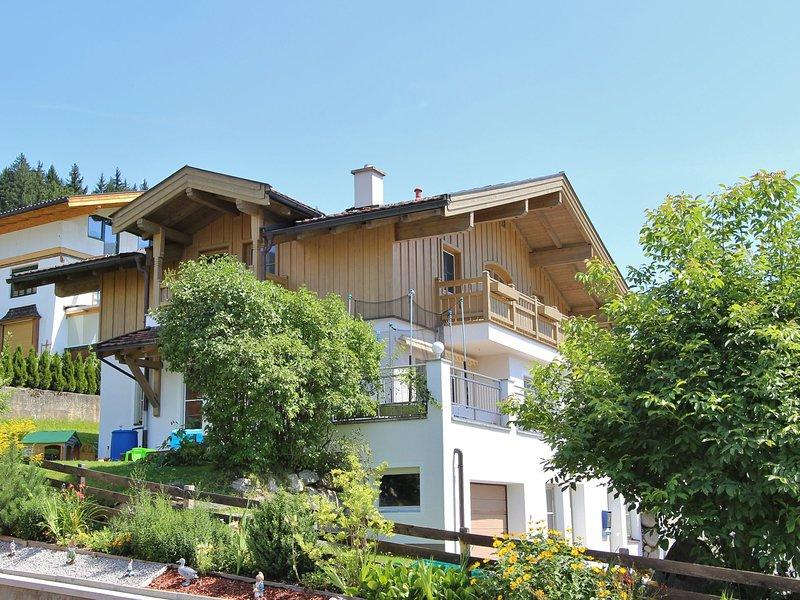Cozy Holiday home in Hollersbach im Pinzgau Salzburg with garden, location de vacances à Hollersbach im Pinzgau