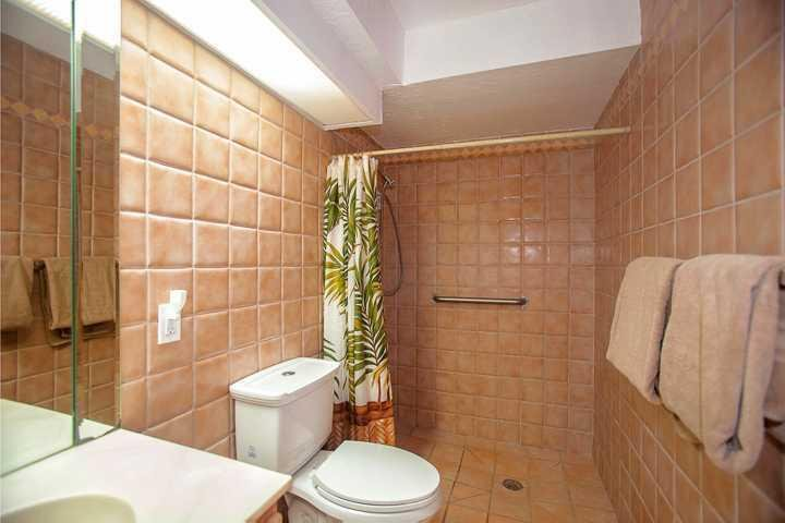 Room,Indoors,Bathroom,Toilet,Home Decor