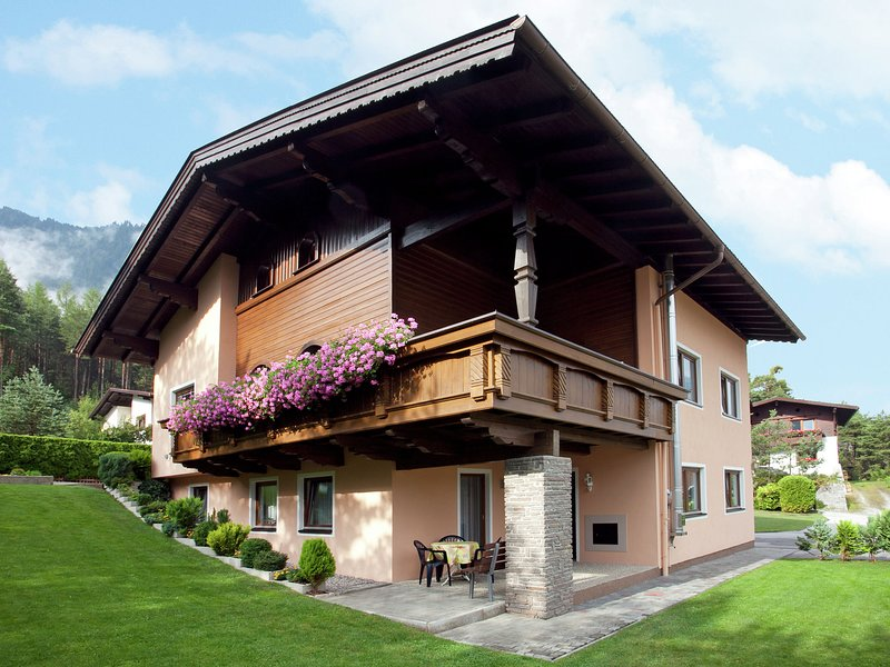 Cozy Apartment near Ski Area in Sautens, holiday rental in Tarrenz