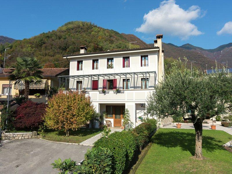 Delightful holiday home in Veneto, Treviso province., alquiler vacacional en Cison Di Valmarino