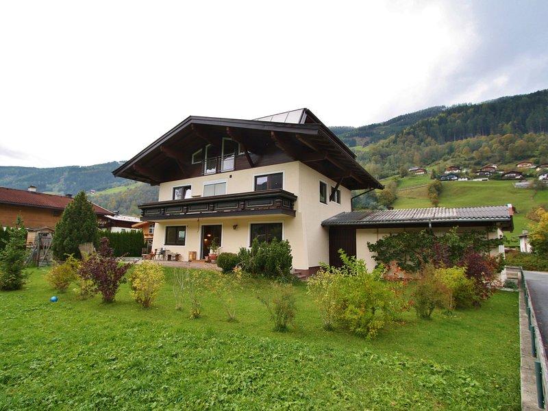 Attractive Apartment in Bramberg am Wildkogel, with ski-lift nearby, location de vacances à Bramberg am Wildkogel